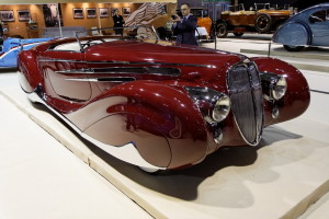 Paris_-_Retromobile_2012_-_Delahaye_type_165_cabriolet_-_1939_-_006