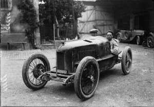 Pietro_Bordino_at_the_1922_French_Grand_Prix_(5)