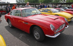Aston_Martin_DB6_-_Flickr_-_exfordy_(3)