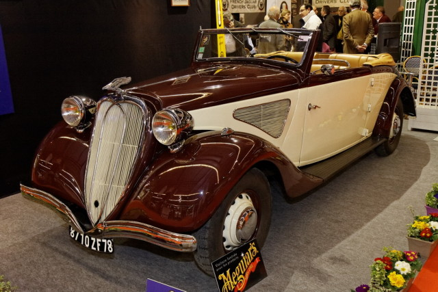 Paris_-_Retromobile_2012_-_Chenard_&_Walcker_type_T_24_C_-_1936_-_001