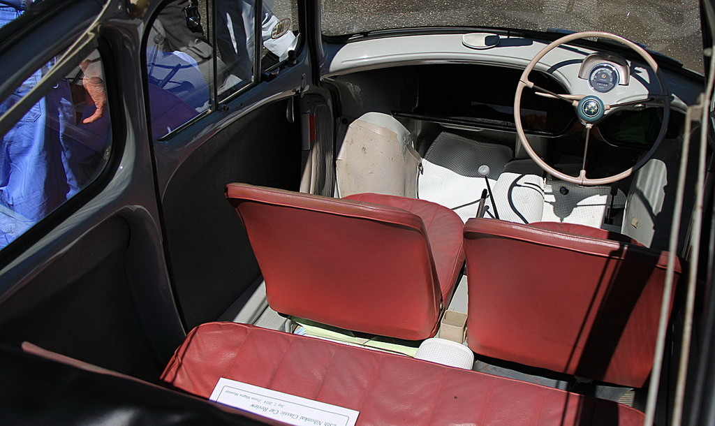 1960_Subaru_360_Convertible_interior