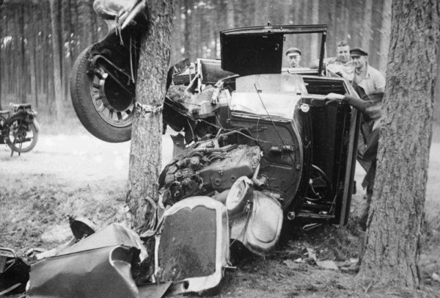 1930 Car accident in 1930