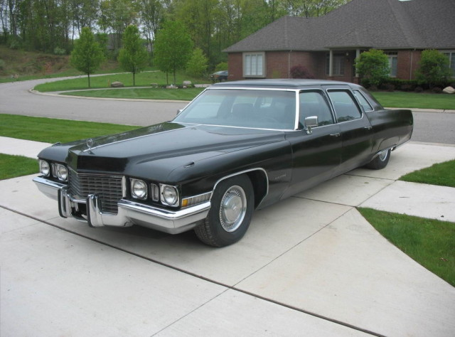 1972_Cadillac_Fleetwood_75_-_Flickr_-_denizen24_(2)