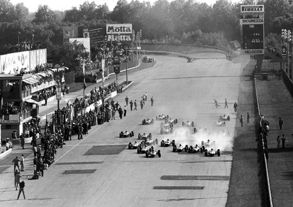 1965_italian_gp_start__autodromo_nazionale_monza__by_f1_history-d5cycer