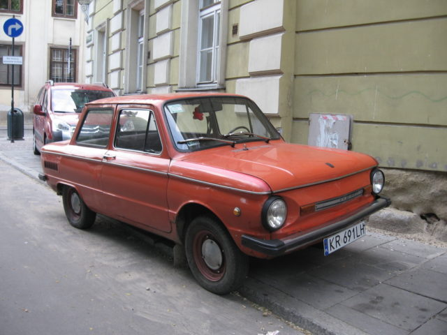 ZAZ-968M_on_Na_Gródku_street_in_Kraków