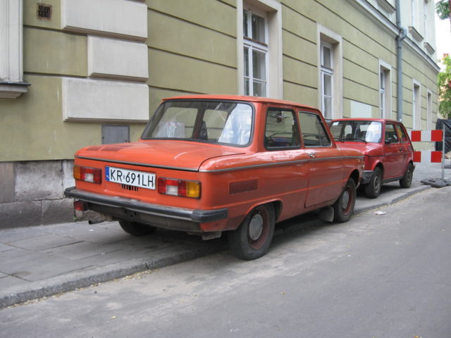 ZAZ-968M_on_Na_Gródku_street_in_Kraków_(2)